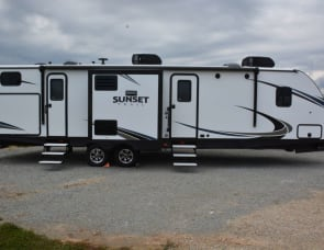 CrossRoads RV Sunset Trail Ultra Lite SS331BH
