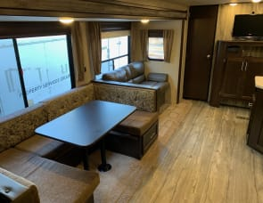 Forest River Cherokee 304BS Double Bunkhouse Triple Slide Out!