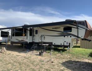 Heartland Bighorn 3760EL