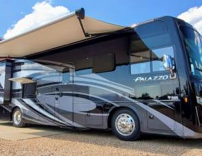 Thor Motor Coach Palazzo 33.5