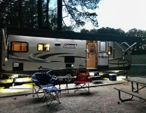 Dutchmen RV Coleman Light 2515RL