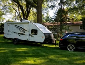 NEW, Sleek Lite BH for 6. Loads of extras included! SUV/Crossover Towable