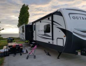 Keystone Outback 330 RL