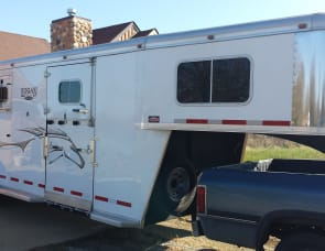logan coach 2+1 horse trailer