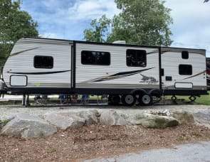 Jayco Jay Flight- Queen Bedroom & Bunkroom