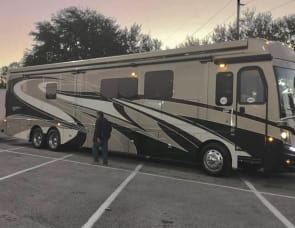 Fleetwood RV Discovery LXE 44H