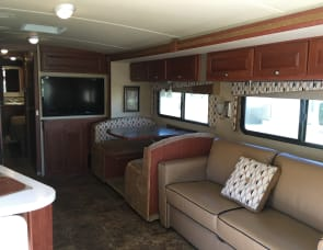 Winnebago Vista 36Y