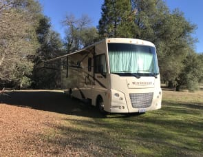 Winnebago Vista 31KE