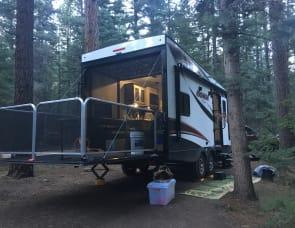 Forest River Coachmen Adrenaline ANT19CB Toyhauler