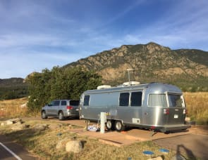 Airstream International Signature 27'