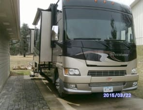 Winnebago Adventurer 35Z BUNK