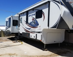 Keystone RV Avalanche 330RE