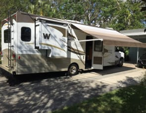 Winnebago Access 31' Premier