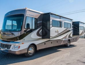 Fleetwood RV Bounder 36E