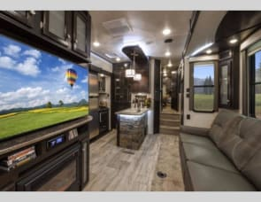 2 BED 2 BATH LUXURY 5TH WHEEL - FREE INSURANCE!  JUST BRING YOUR TOOTHBRUSH!