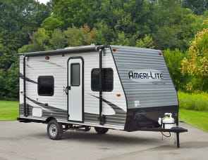 NEW 21 Travel trailer sleeps 6