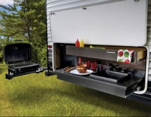 32ft Forest River Salem Luxury - Free Delivery to FT Wilderness minimum 5 nights