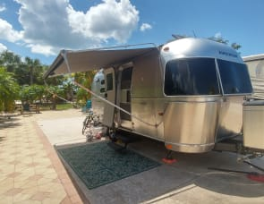 Airstream Flying Cloud 20ft