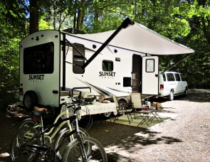 CrossRoads RV Sunset Trail Super Lite SS200RD