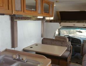 2004 23' Fleetwood Caribou Truck Camper Combo, RV Rental in