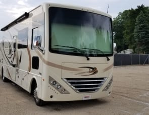 Thor Motor Coach Hurricane 34J (Bunk House)