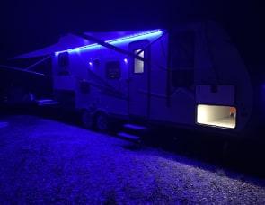 Coachmen  Apex ultra light