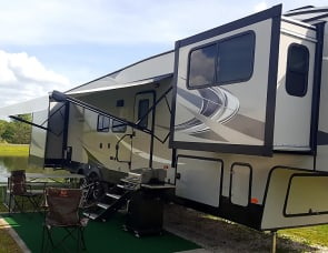 37' Coachmen Chaparral