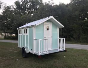 Trekker trailer Travel trailer Beach house
