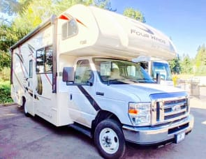 Thor Motor Coach Four Winds 26B  Ford E350