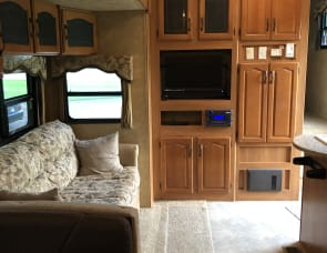 Keystone RV Mountaineer 332PHT