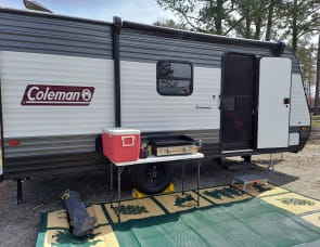 Dutchmen RV Coleman Lantern LT Series 17B