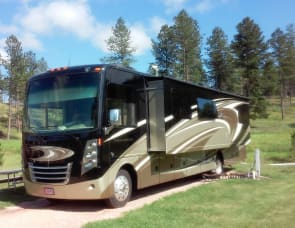 Thor Motor Coach Challenger 37LX