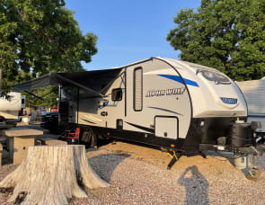 Forest River RV Cherokee Alpha Wolf 26RB-L