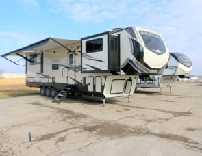 Keystone RV Montana High Country 383TH