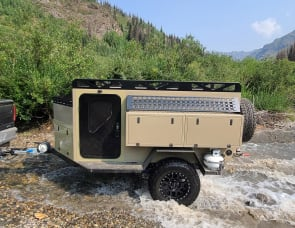 Sasquatch Campers Commodore 48