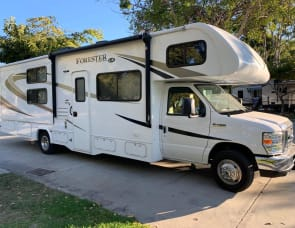 FORESTER • BEAUTIFUL FAMILY RV WITH BUNKS FOR THE KIDS • LIKE NEW CONDITION • GREAT MPG/EASY DRIVE • DELIVERY AVAILABLE