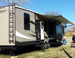 Forest River RV Sandpiper 377FLIK