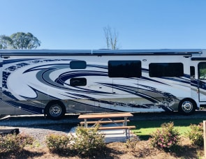 Fleetwood RV Discovery LXE 40G