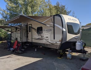 Forest River RV Flagstaff Classic 823D