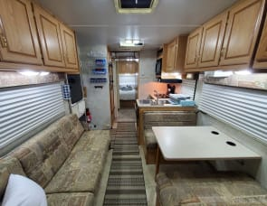 Forest River RV Sunseeker 2900 Chevy