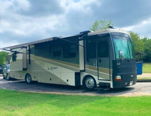 Fleetwood RV Discovery 39L