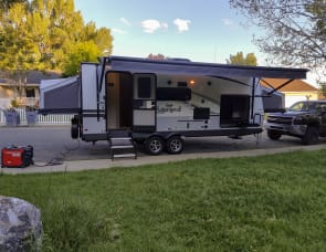 Forest River RV Flagstaff Shamrock 235S