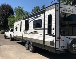 Jayco Jay Flight Rocky Mountain 28 foot rear living
