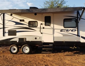 Forest River RV EVO T2490