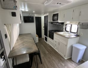 Forest River RV Wildwood X-Lite 261BHXL