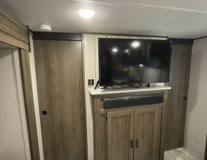 Prime Time RV Tracer 26DBS