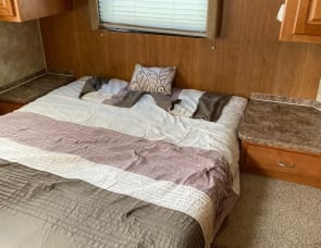 Gulf Stream RV Conquest 32TBR
