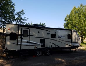 Coachmen Freedom Express 27 Footer