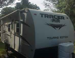 Prime Time RV Tracer 215AIR