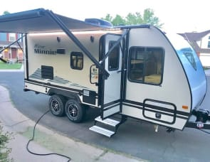 Winnebago Industries Towables Micro Minnie 2100BH